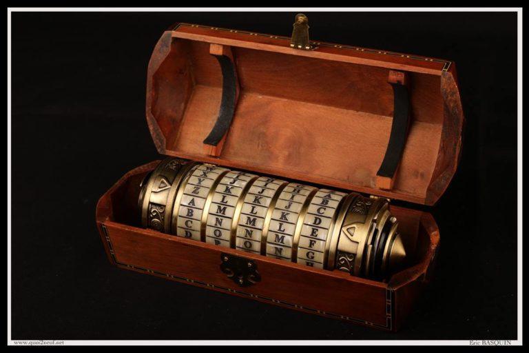 Objet magique Cryptex et sa boîte collector