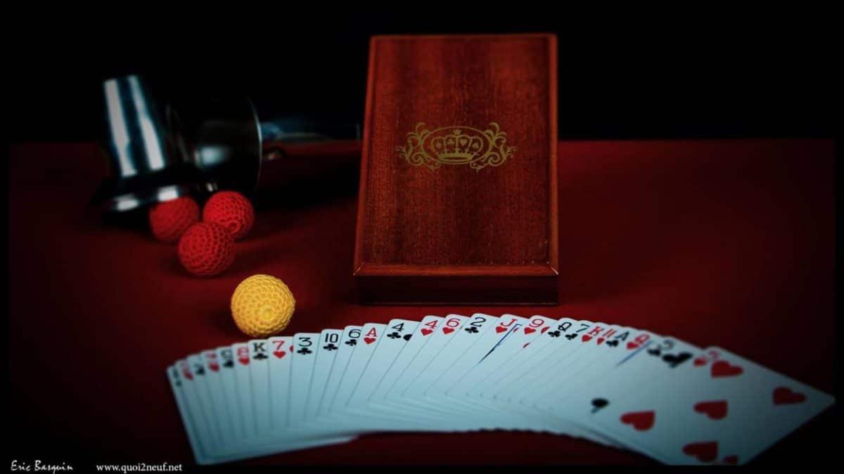 Objets magiques cartes et boîte collector